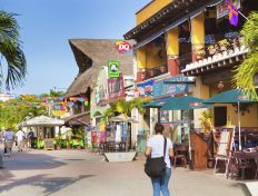 5th Avenue Shops and Restaurants in Playa del Carmen Mexico