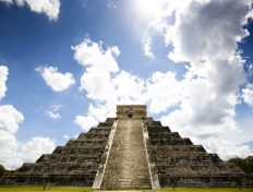 Explore the Ancient Chichen Itza Ruins in Cancun