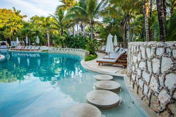Playa Del Carmen Hotel With Pool | Mahekal Beach Resort