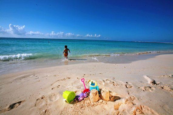 Relax At A Pristine Playa Del Carmen Beach Resort